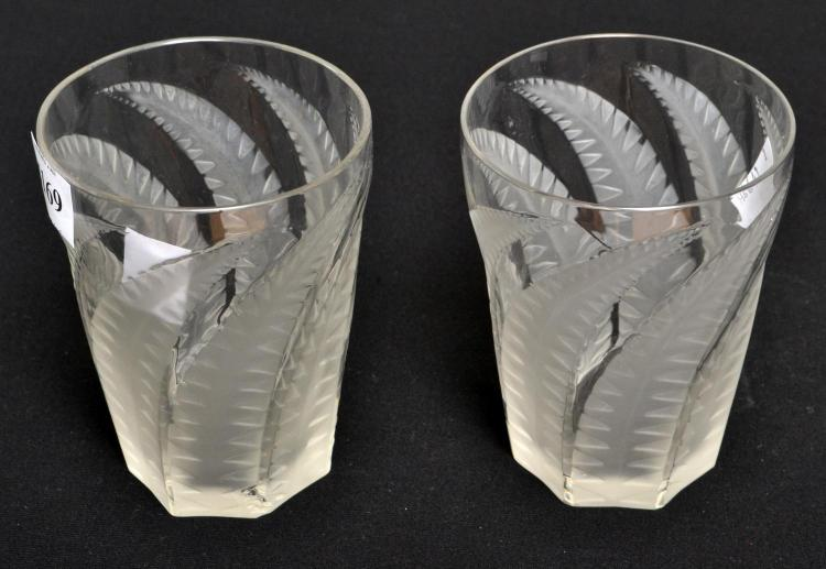 A PAIR OF 1930S RENE LALIQUE 'HESPERIDES' GLASS GOBLET SIGNED R, LALIQUE FRANCE, HEIGHT 10 CM, ONE CHIP TO BASE