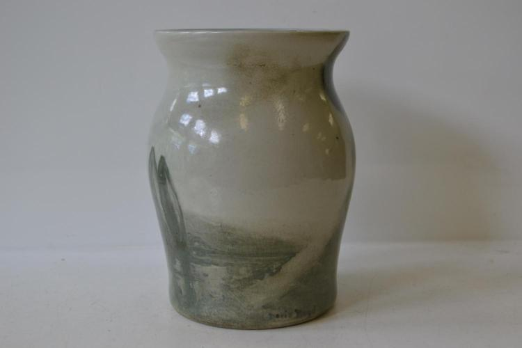 A DORIS BOYD CRUFFEL PORCELAIN VASE, 1934 (MINOR FIRING CRACK TO RIM)