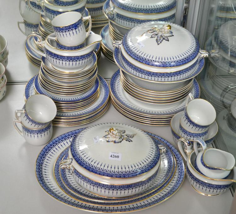 A DOULTON BURSLEM 'SEVERN BORDEN' DINNER SETTING FOR SIX (MINOR LOSSES)