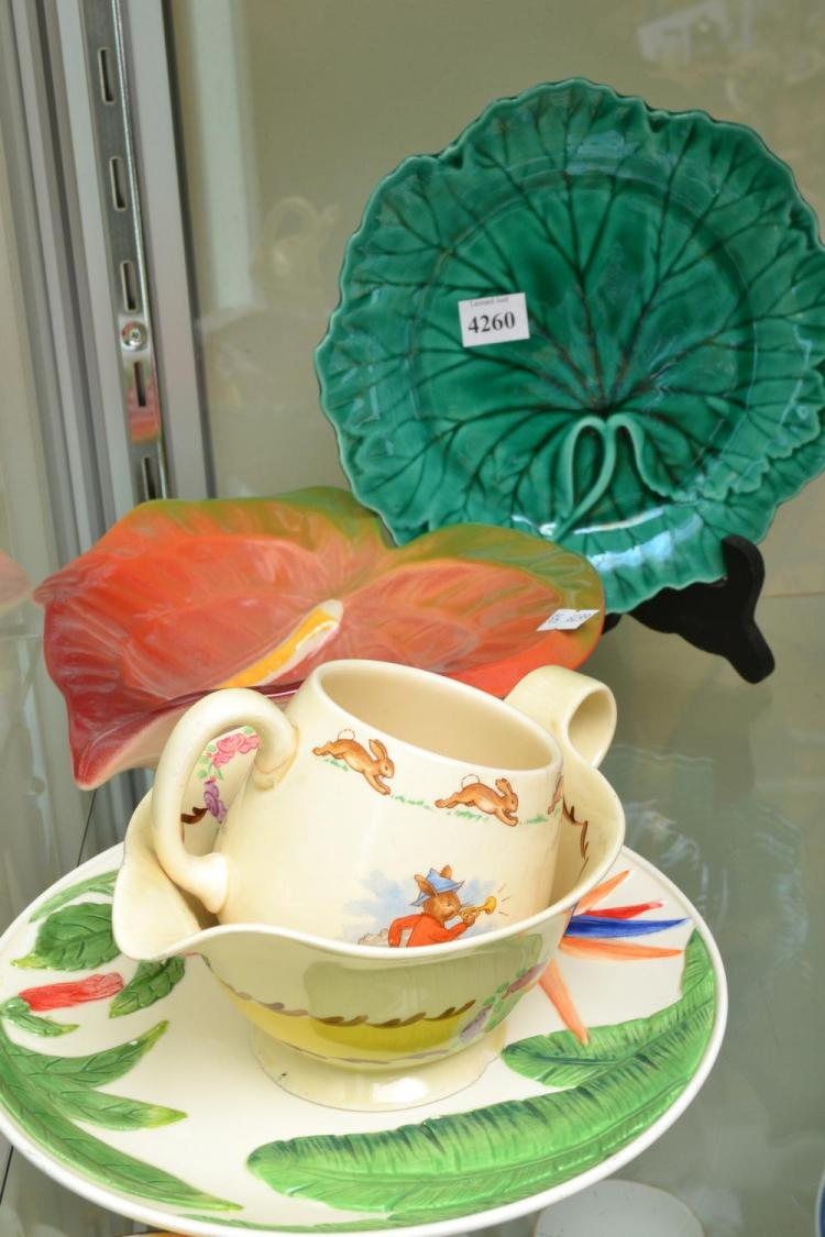 A COLLECTION OF PORCELAIN INCLUDING WEDGWOOD CABBAGE LEAF, ROYAL COPENHAGEN AND CLARICE CLIFF