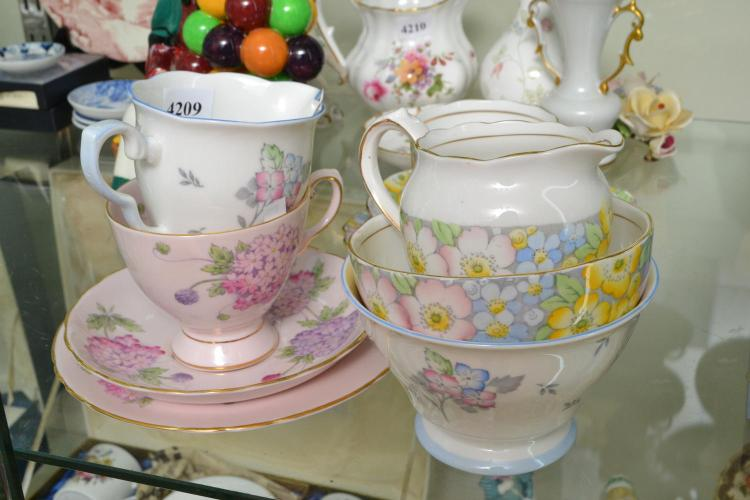 A COLLECTION OF FLORAL TEAWARE, INCLUDING ROYAL STAFFORD, ROYAL TUSCAN ETC