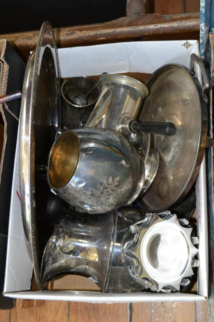A COLLECTION OF SILVER PLATE INCLUDING JUGS