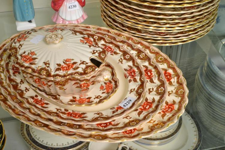 A VICTORIAN DINNER SET WITH EARLY PRINT BORDERS