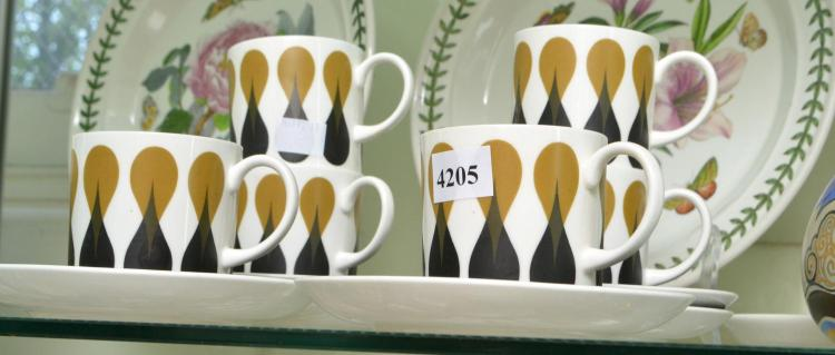 A BOXED SUSIE COOPER COFFEE SET FOR SIX