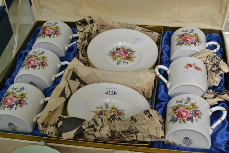 A BOXED ROYAL WORCESTER SET FOR SIX
