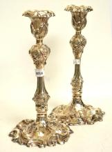 A PAIR OF EARLY EDWARDIAN STERLING SILVER CANDLESTICKS, 1903, BIRMINGHAM