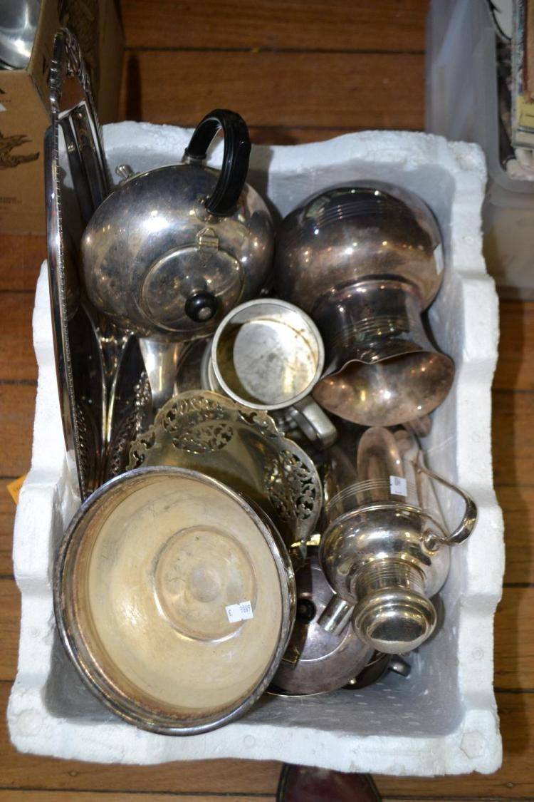 A COLLECTION OF SILVERPLATE INCLUDING MUSTARD POT