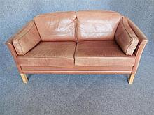 MOGENS HANSEN (DANISH, BORN 1940) TWO-SEAT BROWN LEATHER SOFA back length 145cm