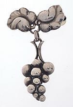 A BROOCH BY GEORG JENSEN