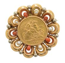 A GOLD SOVEREIGN, CORAL AND PEARL BROOCH