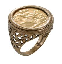 A GOLD SOVEREIGN RING