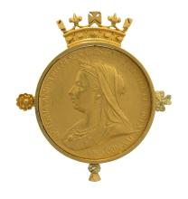 A QUEEN VICTORIA DIAMOND JUBILEE COIN BROOCH