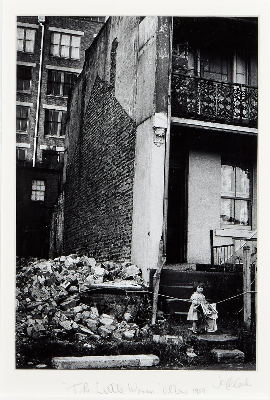 JEFF CARTER (1928-2010) The Little Woman, Ultimo 1959 gelatin silver print, selenium toned