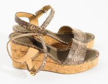 A PAIR OF SANDALS BY SALVATORE FERRAGAMO