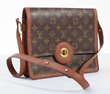 A RASPAIL SHOULDER BAG BY LOUIS VUITTON