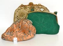 THREE ART DECO CLUTCHES INCL. BEADED AND FILIGREE CLASPS. ONE CORDED WITH MOTHER OF PEARL CLASP