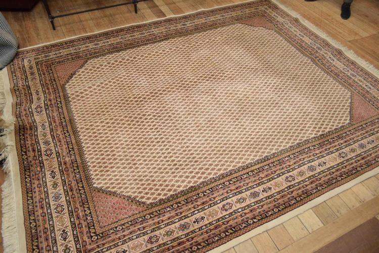 A Persian Sarugh Mir Paisley Design Pure Wool Carpet Hig