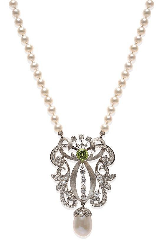 A PERIDOT, DIAMOND AND PEARL NECKLACE
