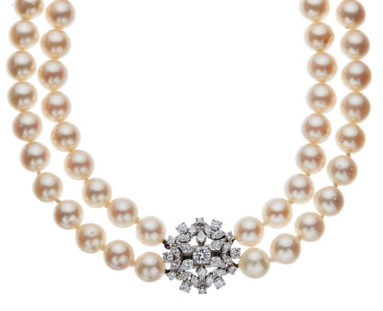 A DOUBLE STRAND CULTURED PEARL CHOKER
