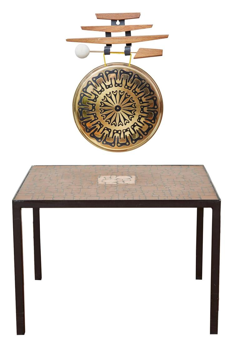 A MID-20TH CENTURY BRASS TILE TOP SIDE TABLE, TOGETHER WITH A GERMAN MID-CENTURY BRASS GONG