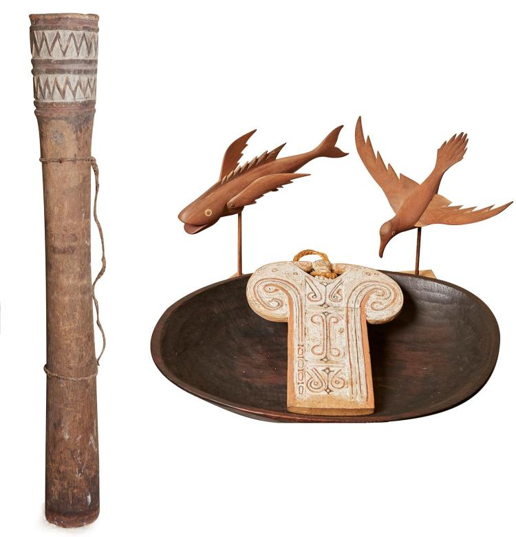 A GROUP OF PAPUA NEW GUINEAN ARTIFACTS