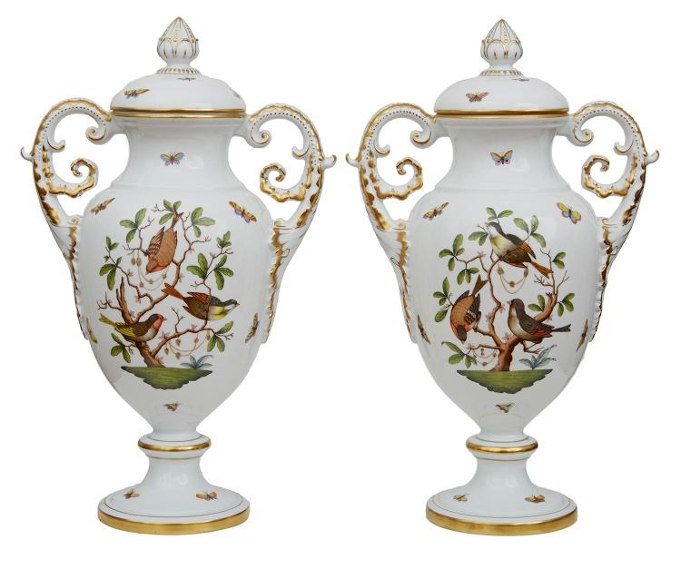 AN IMPRESSIVE PAIR OF HEREND ''ROTHCHILD'' PRESENTATION VASES AND COVERS