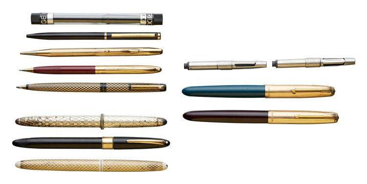 A COLLECTION OF VINTAGE PENS AND PENCILS