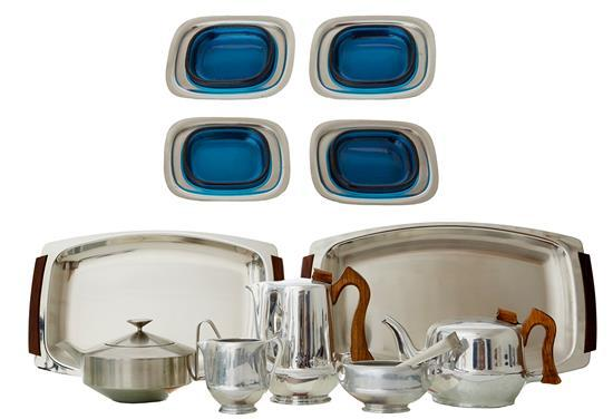 A COLLECTION OF MID 20TH CENTURY STAINLESS STEEL; COMPRISING FOUR PIECE PICQUOT WARE, ROBIN WELCH OLD HALL AND OTHERS