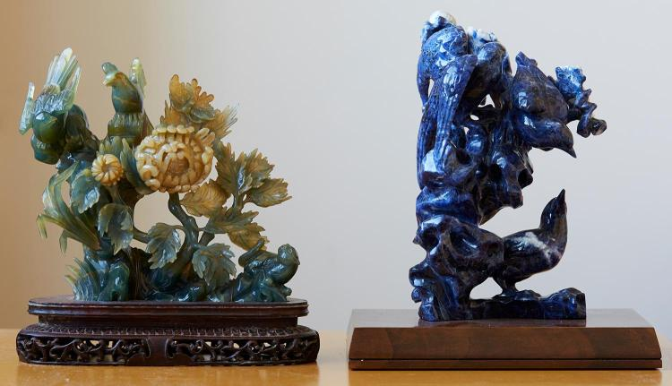 TWO GROUP CARVINGS IN SODALITE AND AGATE, CHINESE SECOND HALF OF THE 20TH CENTURY