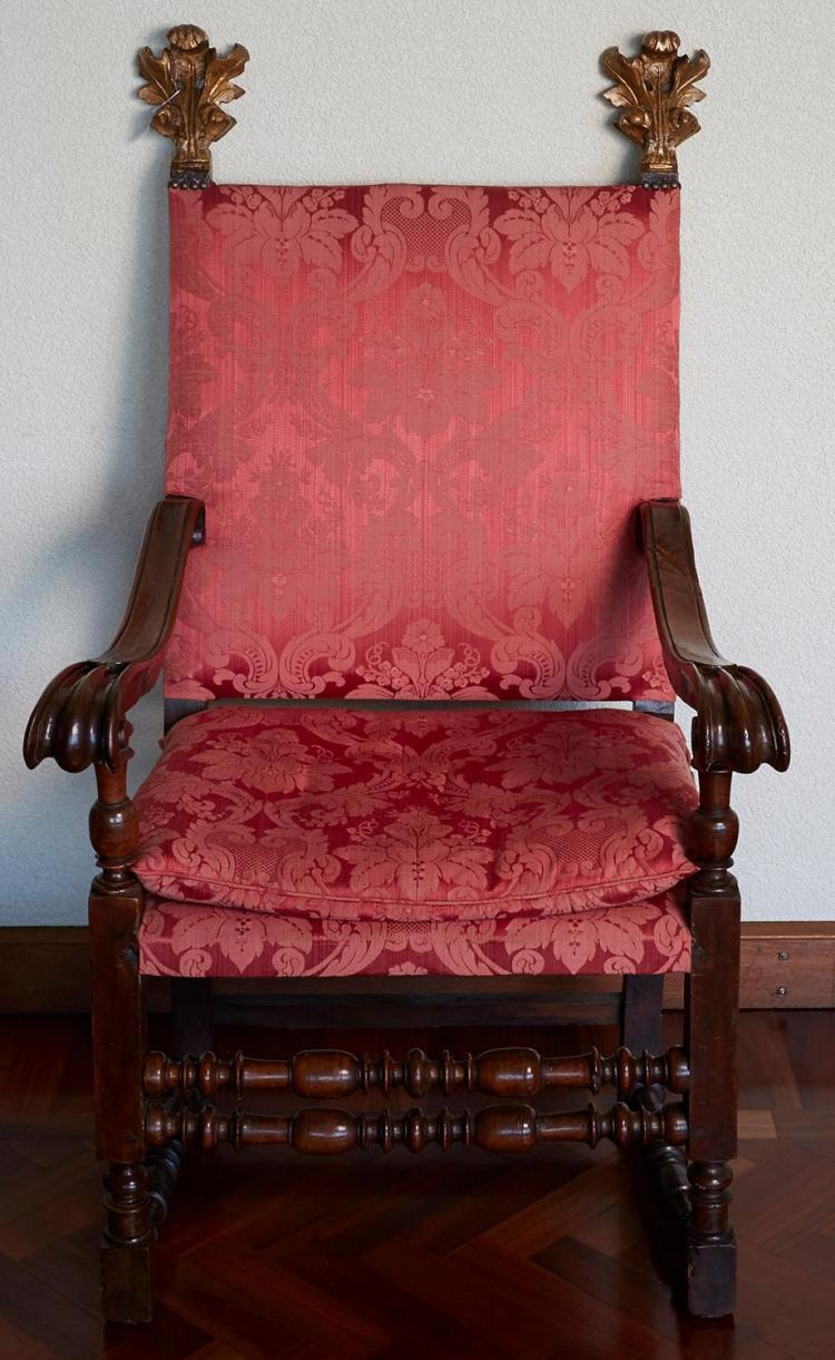 AN ITALIAN CHAIR IN WALNUT, 17TH CENTURY AFTER A DESIGN BY ANTONIO DA SANGALLO, ROME