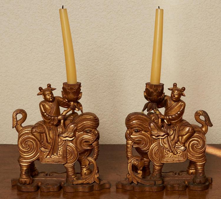 A PAIR OF CHINESE STRAITS GILTWOOD FIGURAL JOSS STICK HOLDERS, LATE 19TH CENTURY