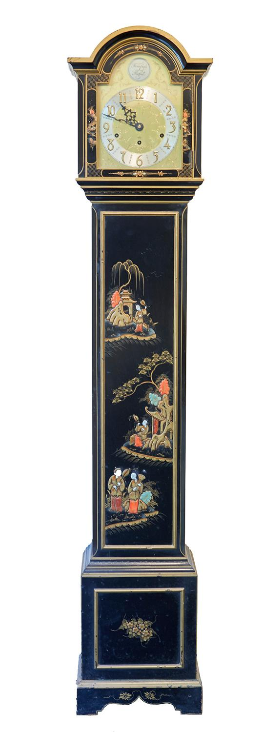 A 20TH CENTURY SMALL ''TEMPUS FUGIT'' LONGCASE CHINOISERIE CLOCK BY ELLIOT, SECOND HALF 20TH CENTURY