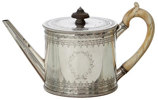 A MID VICTORIAN STERLING SILVER TEA POT BY HENRY HOLLAND