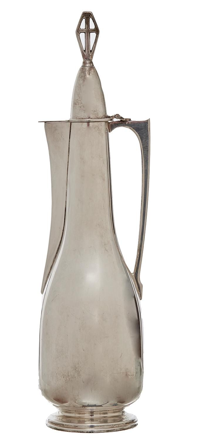 A 20TH CENTURY SILVER ECCLESIASTICAL JUG BY HARDY BROTHERS, BIRMINGHAM