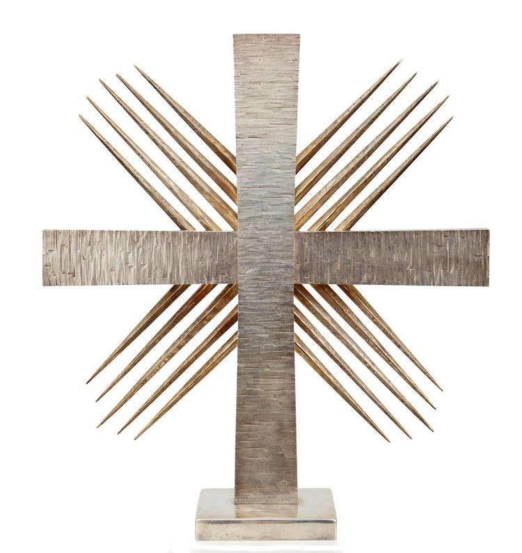 AN IMPRESSIVE AND UNIQUE STERLING SILVER CROSS SCULPTURE BY GERALD BENNEY, LONDON 1964