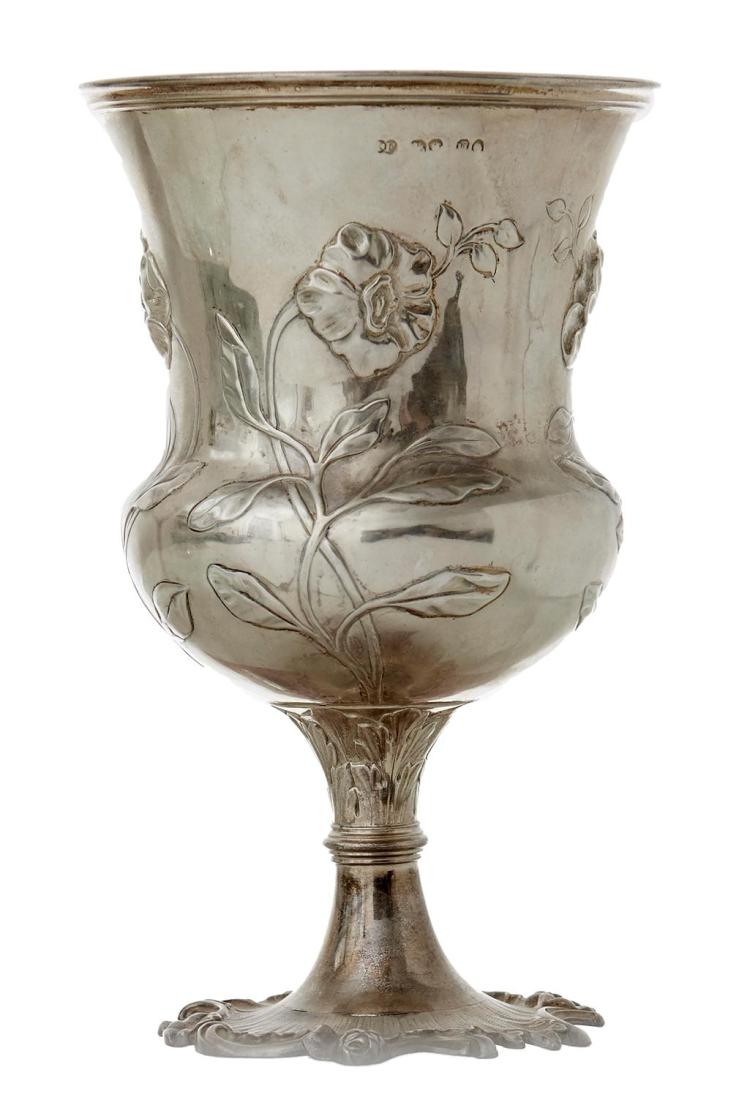 A VICTORIAN STERLING SILVER AND GILT LINED GOBLET BY JOHN WILMIN FIGG, LONDON 1875