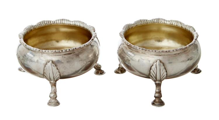 A PAIR OF GEORGE II STERLING SILVER SALTS, DAVID HENNELL I, LONDON 1758