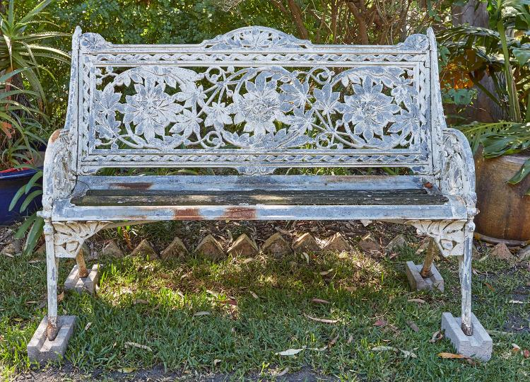 A VICTORIAN CAST IRON ''HORSE CHESTNUT'' BENCH BY COALBROOKDALE