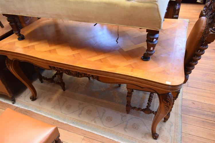 A LOUIS XV PARQUETRY EXTENSION DINING TABLE : H3018 L122659736 from www.invaluable.co.uk size 750 x 501 jpeg 54kB