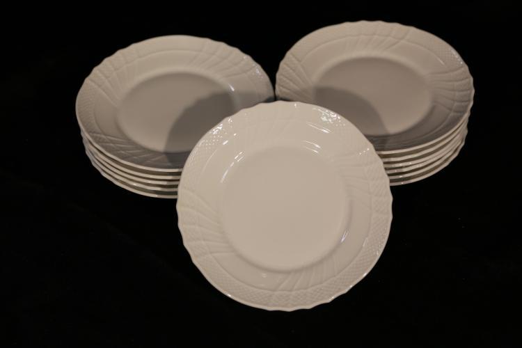12 Richard Ginori Bread and Butter Plates
