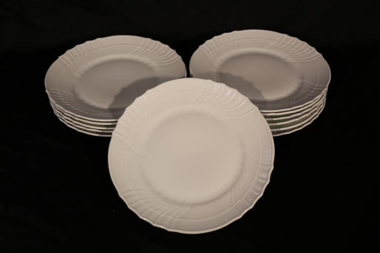 12 Richard Ginori Dinner Plates