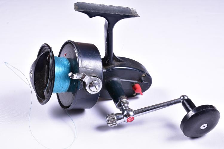 Vintage garcia mitchell 402 fishing reel for Old mitchell fishing reels