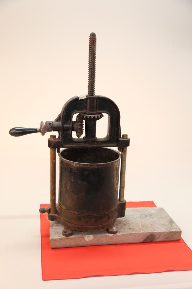 Antique fruit press wine press for Home wine press