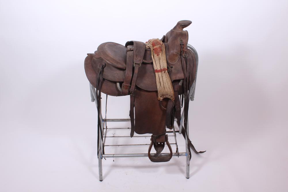 Leather Saddle With Saddle Rack-Stand