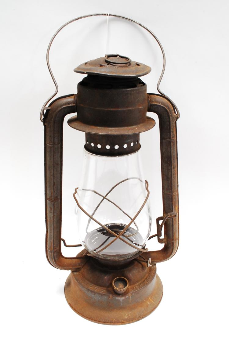 Antique Dietz No 2 Blizzard Kerosene Barn Lantern