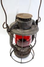 Antique Dietz Vesta New York Central Systems Railroad Lantern With Red Matching Embossed NYCS Globe