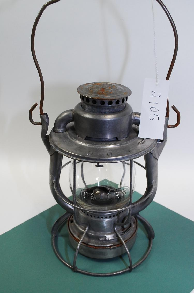 Antique Dietz Vesta P&Lerr Railroad Lantern With Matching Embossed Clear Globe