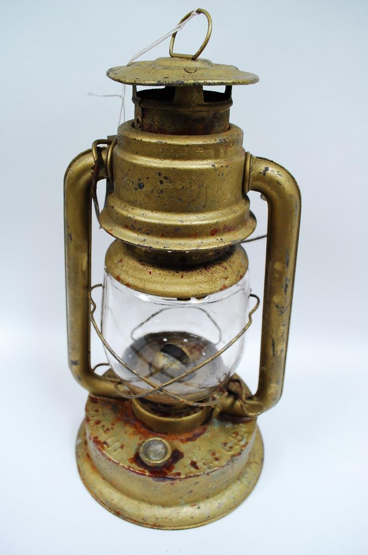 Antique The Warren Sta-Lit No 2 C.B. Kerosene Barn Lantern