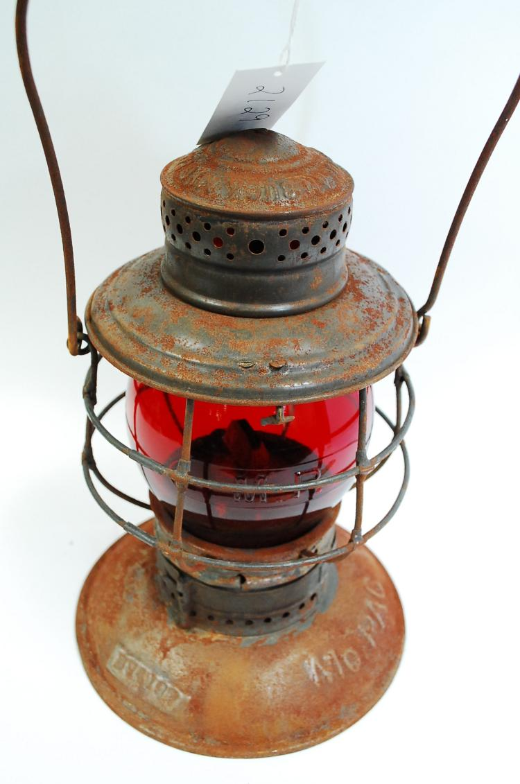 Antique Handlan Buck Mfg Mopac Bell Bottom Railroad Lantern Matching Embossed Red Tall Globe