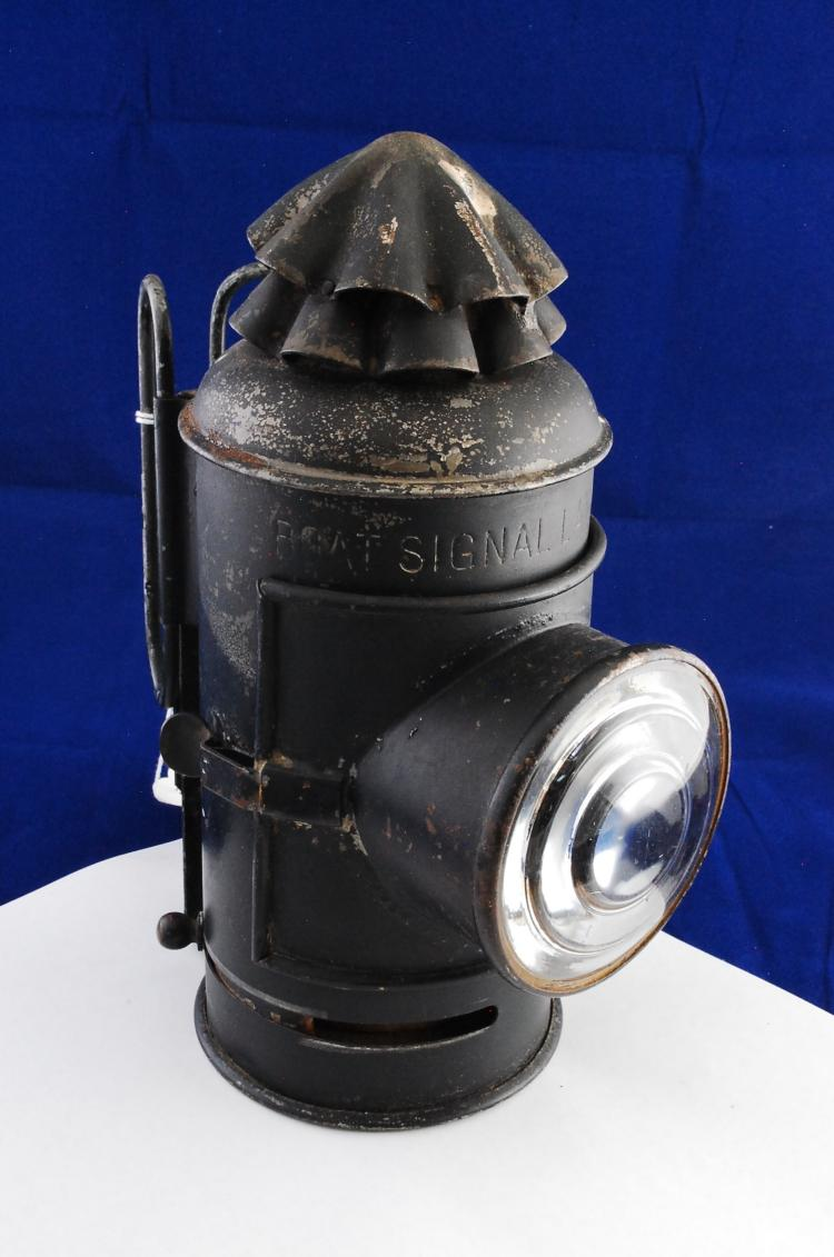Antique La Mfg Co Boat Signal Oil Lantern With Clear Lense